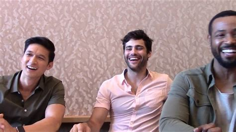 matthew daddario comic con shadowhunters matthew daddario harry shum jr isaiah