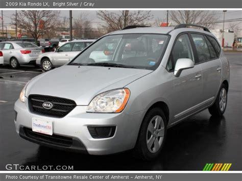 kia rondo 2009 bright silver 2009 kia rondo lx gray interior
