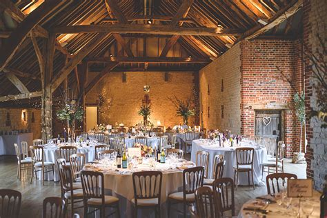 Perfect Barn Wedding Venues for Autumn   CHWV