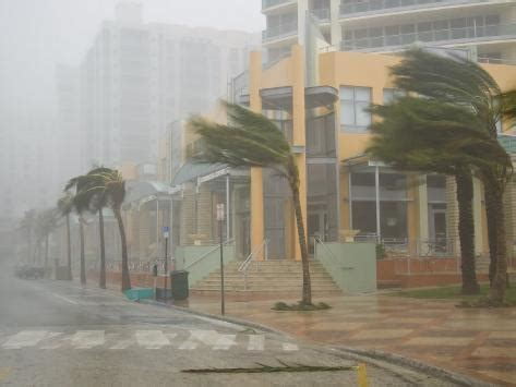 miami hurricane chat room hurricane winds in downtown miami during category 3
