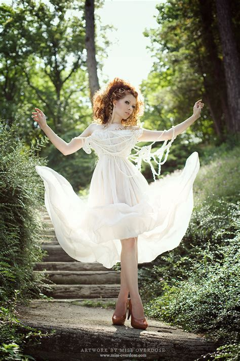 Ophelia Fancy Catwalk Pictures by 30 Stimulating Fashion Costumes For Your Inspiration
