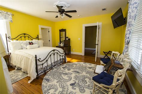 bed and breakfast alabama 1823 capstone suite bama bed breakfast