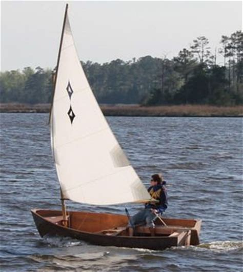 pictures of small sailing boats a small 12 lug sail boat boats i want to build