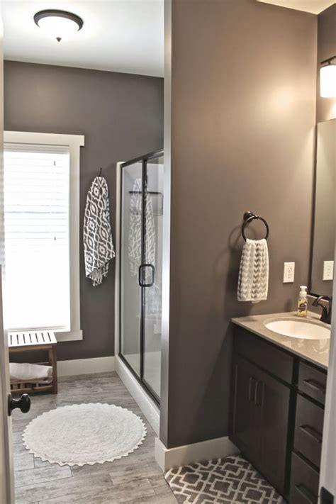 master bathroom color schemes taupe wandfarbe edle kulisse f 252 r m 246 bel und accessoires