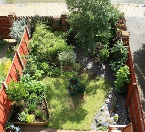 small walled gardens discover and save creative ideas