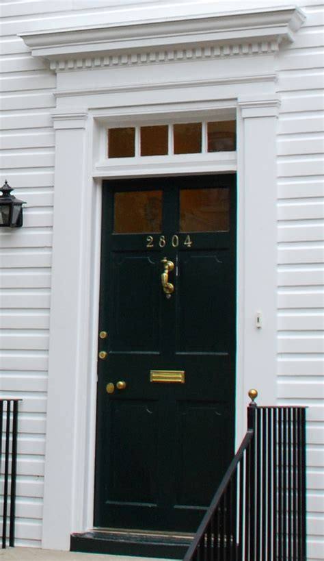 colonial style front doors 1000 images about doors on pinterest benjamin moore