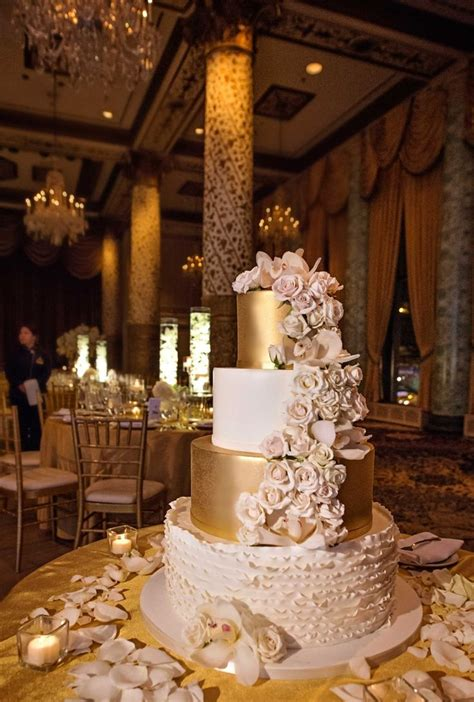 Best  Ee  Ideas Ee   About Ivory  Ee  Wedding Ee   Cake On Pinterest