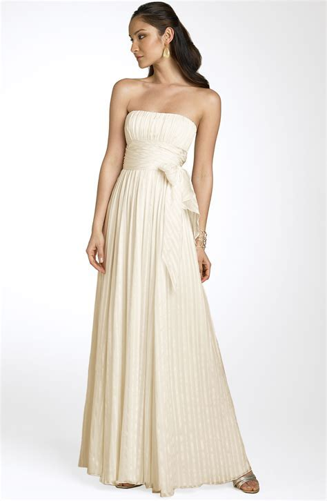 BCBG Max Azria Strapless Silk Gown Size 3 Wedding Dress