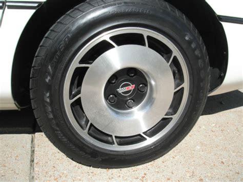 1985 corvette targa top 1985 white corvette with interior automatic targa