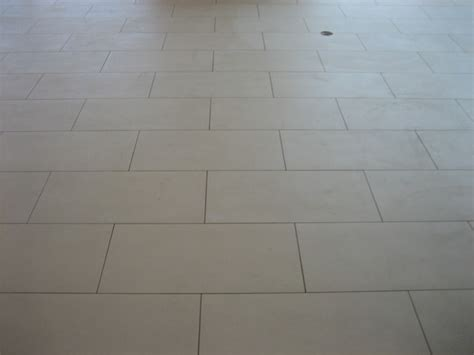 tile floor 12x24 staggered pattern