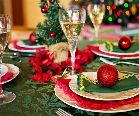 idee per tavola natalizia tavola di natale 2018 idee anche per la vigilia