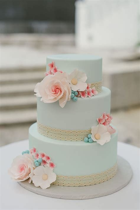 Simple Vintage Wedding Cake Ideas by 25 Best Ideas About Mint Wedding Cake On