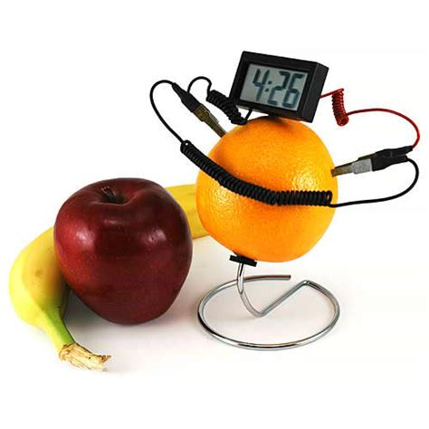 Fruit Powered Clock 果物電池で動く時計 gigazine