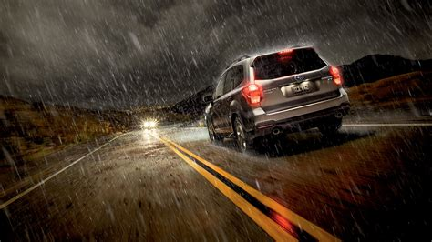 How to Effectively Drive in Rain and at Night   CarFab.com