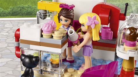 Lego 41119 Heartlake Cupcake Cafe 41119 heartlake cupcake caf 233 products lego 174 friends lego friends lego
