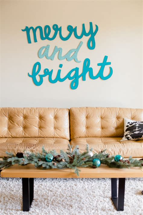 12 diy christmas decorations for office desks