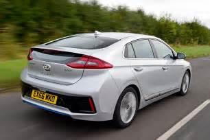 Hyundai Uk Hyundai Ioniq Hybrid 2016 Uk Review Pictures Auto Express