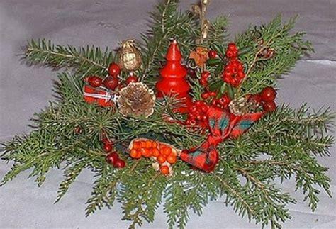 composizioni fiori natalizi natale 2011 tra addobbi naturali e fiori recisi