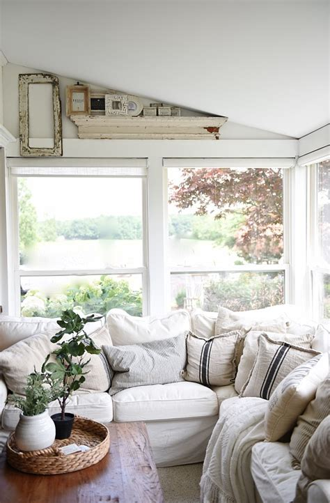 how to decorate a cottage style home holes in the wall at the farmhouse