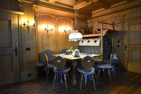 arredamento tirolese stube tirolese arredamenti di interni in legno