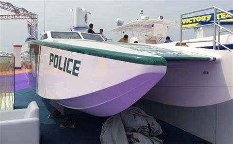 fast boat dubai dubai police adds a superboat to its extravagant fleet