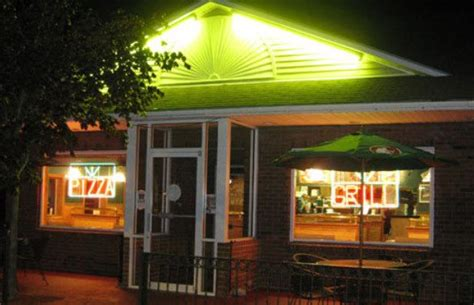 tremont house of pizza tremont house of pizza pizzaria located in claremont nh