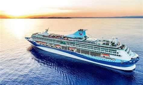 tui refuses  refund passengers  faulty cruise ship  slow    key stops cruise