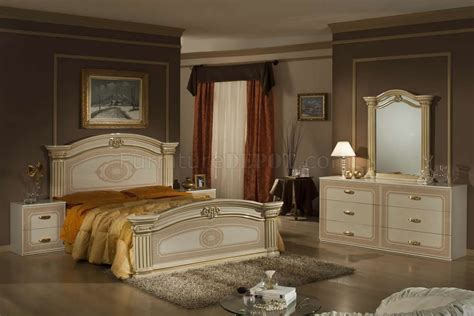 beige gold  tone finish pc traditional bedroom set
