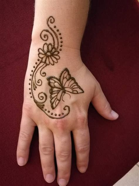 butterfly henna tattoo designs 25 best ideas about henna butterfly on animal