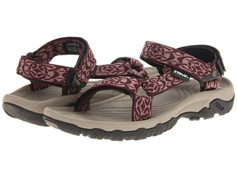 hiking sandals reviews the top 15 best hiking sandals for bouldering