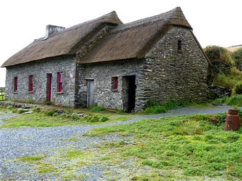 dingle cottages famine cottages dingle picture of famine cottages