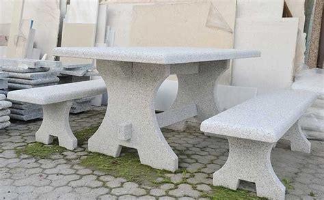 tavoli da giardino in pietra fontane in pietra quarona vercelli guglielmi carlo snc
