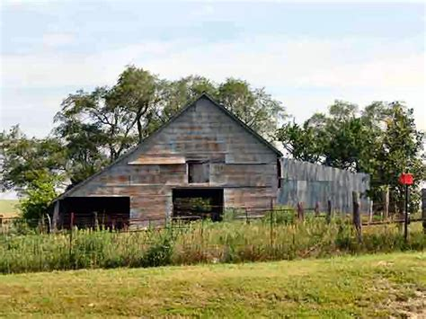 dilapidated barns pictures from missouri and kansas