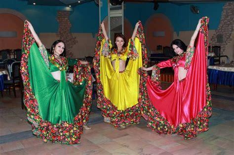 uzbek uyghur tajik traditional dance pinterest tajikistan folk dance national folklore dance asian