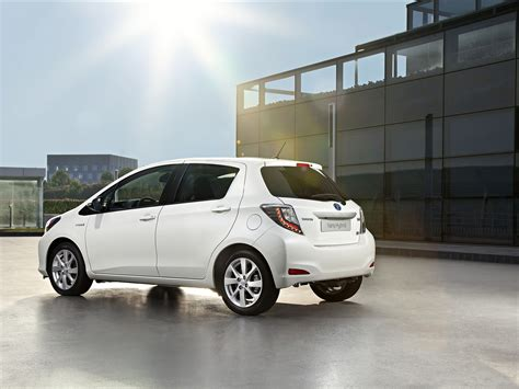 2013 Yaris Toyota Toyota Yaris Hybrid 2013 Car Wallpapers 02 Of 60