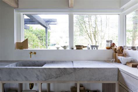 piano della cucina piano cucina e lavabo in marmo