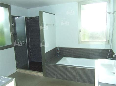 moderne badewanne mit dusche moderne badezimmer mit dusche und badewanne munhomeideas