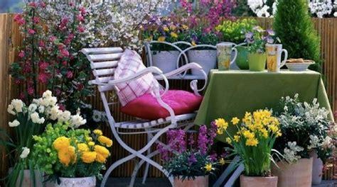 idee per il terrazzo affordable arredare balcone primavera with idee per il
