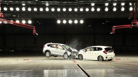 Honda Crv Crash Tests by Crash Test Honda Cr V Vs Fit Asean Ncap