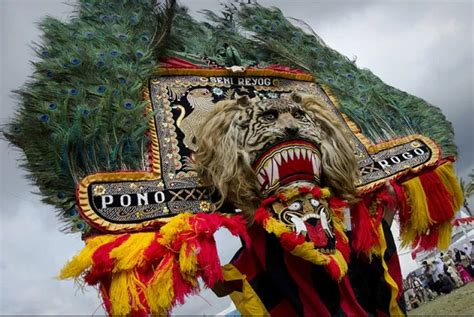 reog ponorogo full story  full questions bahasa