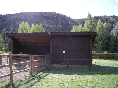 Loafing Shed For Horses by Loafing Shed Tack Room And Hay Barn Corrals