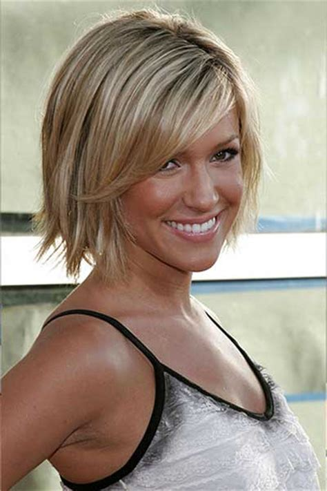 choppy bob hairstyles with a fringe choppy hair cut with side fringe