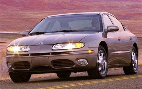 2002 oldsmobile aurora warning reviews top 10 problems