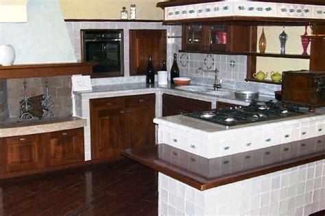 piastrelle decorate per cucina in muratura caratteristiche delle cucine moderne la cucina cucine