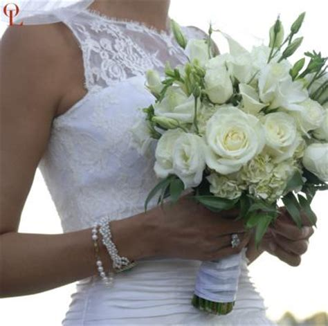 average cost for wedding bouquet wedding collection nowadays wedding flowers cost