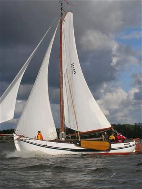 board boat sailboat sailboat with lee boards one doesn t see that much