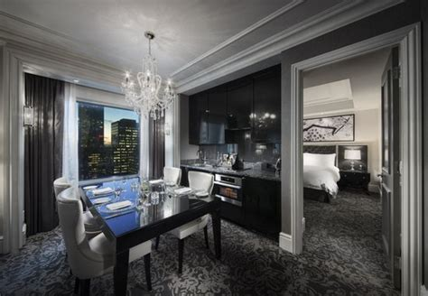 toronto suite hotels 2 bedroom deluxe 2 bedroom suite picture of trump international
