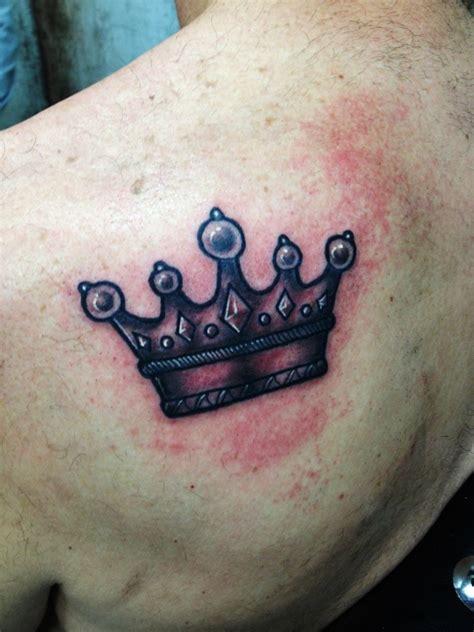20 kleine krone tattoos ideen und entw 252 rfe 187 tattoosideen com