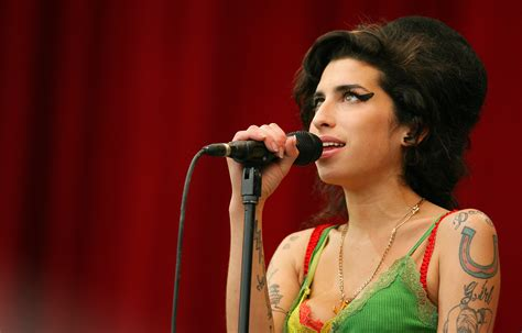 famous female rock stars dead amy how winehouse became the latest inductee to 27