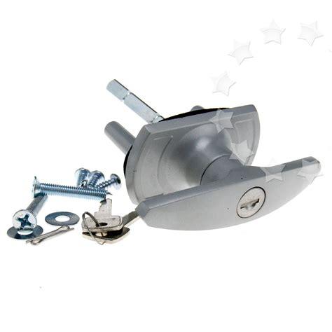 Henderson Garage Door Locks And Handles by 18 35mm T Handle Garage Door Lock 75mm Fixing Spigot Shaft